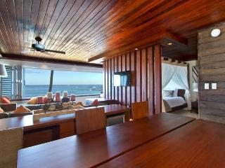 Spectacular Beach Front Waikiki/Diamond Head Sudio - Seminyak vacation rentals