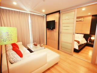 wonderful 1-bedroom condo in the heart of Hua hin - Hua Hin vacation rentals