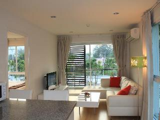 lovely 1-bed corner unit in the heart of Hua hin - Hua Hin vacation rentals