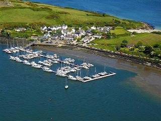 Kinsale Self Catering 2 bed next to Beach & Marina - Kinsale vacation rentals