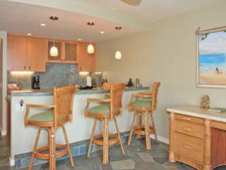 Luxury unit with  Updated Kitchen - Luxury Maalaea Banyans- Perfect Honeymoon Spot! - Maalaea - rentals