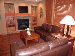3 BEDROOM / 3 BATH LUXURY CONDO - Kootenay Rockies vacation rentals