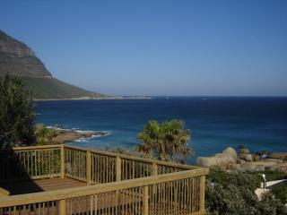 Nice Condo with Deck and Internet Access - Llandudno vacation rentals