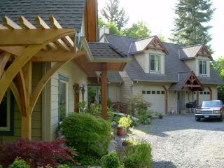 Royston House Seaside Retreat Vacation Rental - BB - Courtenay vacation rentals