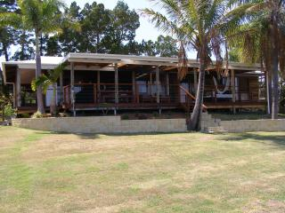 Absolute waterfront Island home - Queensland vacation rentals