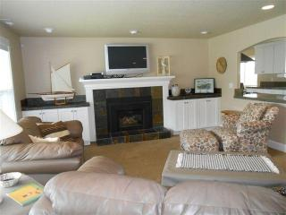 Nice House with Dishwasher and A/C - Seaside vacation rentals