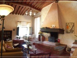 1BR Loft apartment La Bellavista - Chianti - Castellina In Chianti vacation rentals