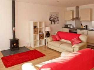 WOODPECKER, pet friendly, country holiday cottage, with a garden in High Head Castle Farm, Ref 4561 - Ivegill vacation rentals