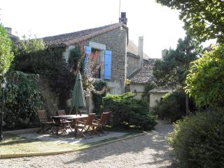 Charming 3 bedroom House in Poitiers - Poitiers vacation rentals