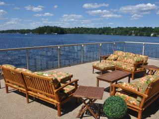 Gorgeous 5 bedroom Muskoka Lakes Cottage with Deck - Muskoka Lakes vacation rentals