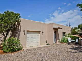 Spacious private Casita with King pillow top, full kitchen, hot tub, views... - Santa Fe vacation rentals