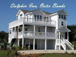 Dolphin Inn-7BR, Pool, Pirate Ship, Golf, Gym, Tennis.  Pet Friendly :) - Southern Shores vacation rentals