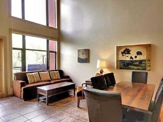 Beautiful SPACIOUS 2-BR Resort Condo with LOFT - Kelowna vacation rentals