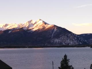 Gorgeous Updated Lake Cliffe Condo 2BR Grd Flr - Dillon vacation rentals