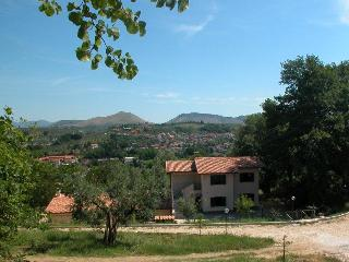 Cozy 2 bedroom Bed and Breakfast in Fara in Sabina with Parking - Fara in Sabina vacation rentals