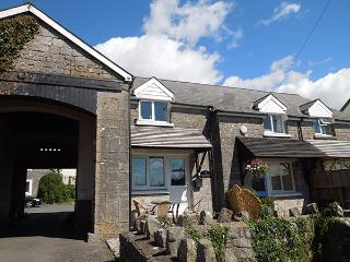 Child Friendly Holiday Cottage - 2 St Florence Cottages, Ivy Tower Village, St Florence - Pembrokeshire vacation rentals