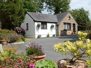 Nice 1 bedroom House in Dinas Cross - Dinas Cross vacation rentals
