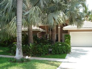 Fabulous Tropical Waterfront/Pool Vacation Home - Pompano Beach vacation rentals