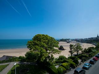 Holiday Apartment - Caldey Suite, Harbour Heights, Tenby - Tenby vacation rentals