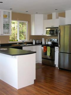 Modern, cozy cottages in a quiet, country setting - Galiano Island vacation rentals