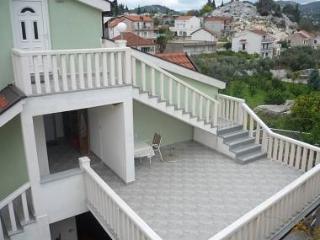 2864 A2(3+1) - Peracko Blato - Ploce vacation rentals