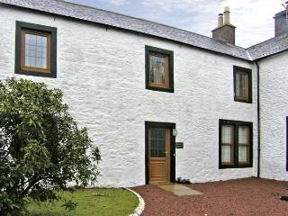 PHEASANT COTTAGE, pet friendly, country holiday cottage, with a garden in Lockerbie, Ref 5284 - Lockerbie vacation rentals