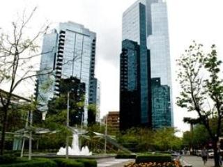 Downtown Vancouver steps away from Robson street's shopping, restaurants and nightlife - Image 1 - Vancouver - rentals