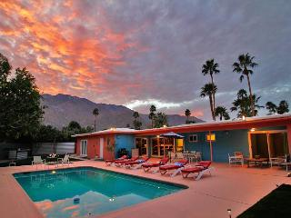 Hardy Park Hangout ~SPECIAL TAKE 20%OFF ANY 5NT STAY THRU 5/19 - Palm Springs vacation rentals