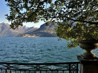 Luxury Lakeshore Villa on Lake Como with Private Dock - Villa Cernobbio - Moltrasio vacation rentals