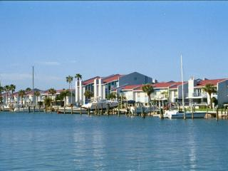 Lovely 2 bedroom Condo in Madeira Beach - Madeira Beach vacation rentals