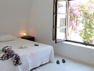 Villa Near Town on Santorini - Villa Lampo - Akrotiri vacation rentals