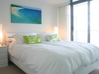 Spirit - Luxury Furnished Condo All In Yorkville - Toronto vacation rentals