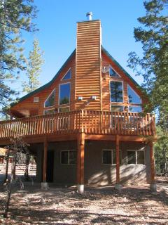 Beautiful Cabin - Between Zion & Bryce Nat'l Park - Zion National Park vacation rentals