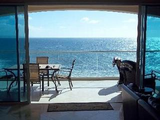 2 bedroom Apartment with Internet Access in Rosarito - Rosarito vacation rentals