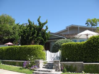 2 Bedroom, 2 Bath, Ocean View Beach House w/ A/C - Pacific Beach vacation rentals