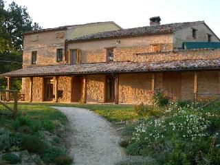 Stunning views of  Sibillini Mountains,  Le Marche - San Ginesio vacation rentals