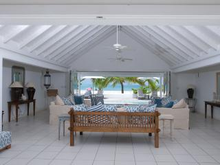 White House at Jolly Harbour, Antigua. Directly on the Beach, Gated Community, Pool, Walk to Restaurants, Shops, Golf - Terres Basses vacation rentals