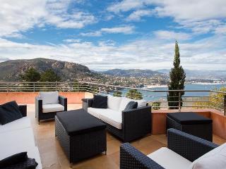 Luxury villa in Théoule for rent. Great sea view. - Théoule sur Mer vacation rentals