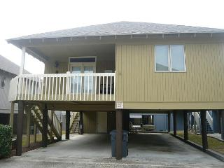 Great Deal for Family Friendly Myrtle Beach Summer Cottage with Pool - Myrtle Beach vacation rentals