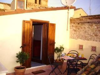 Beautifully restored townhouse in Lanciano Abruzzo - Bomba vacation rentals