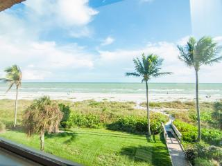 Gulf Front Con- 25 Feet to the Beach- Free bikes - Sanibel Island vacation rentals