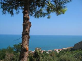 Coastal apartment with stunning sea view, San Vito - Bomba vacation rentals