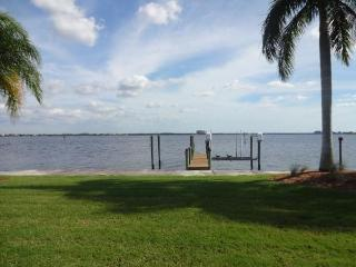 Riverfront house with pool in Cape Coral - Naples vacation rentals