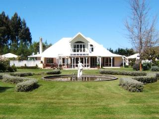 Perfect Bed and Breakfast with DVD Player and Central Heating - Kaiapoi vacation rentals