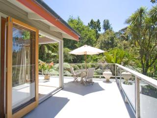 City-Bush Retreat: Self-catering private apartment - Auckland vacation rentals