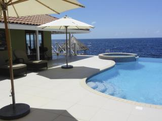 Curacao Oceanfront Villa great for Snorkeling and Diving - Willemstad vacation rentals