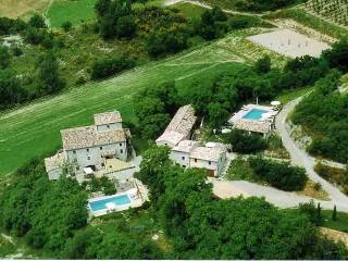 Casa Vialba - Lavender House - Sleeps 8-10 - Montone vacation rentals