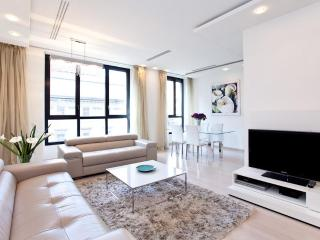 Home in Milano - Luxury apartment in Duomo, Center - Milan vacation rentals