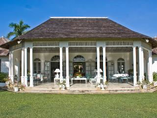 Gorgeous Villa with Internet Access and Television - Hope Well vacation rentals