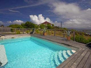 Lovely villa with a fully-equipped kitchen & ocean views WV BLH - Camaruche vacation rentals